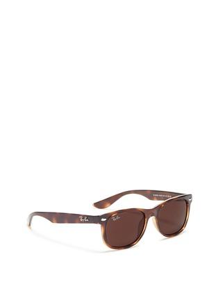 模特儿示范图 - 点击放大 - RAY-BAN - 'New Wayfarer Junior' plastic sunglasses