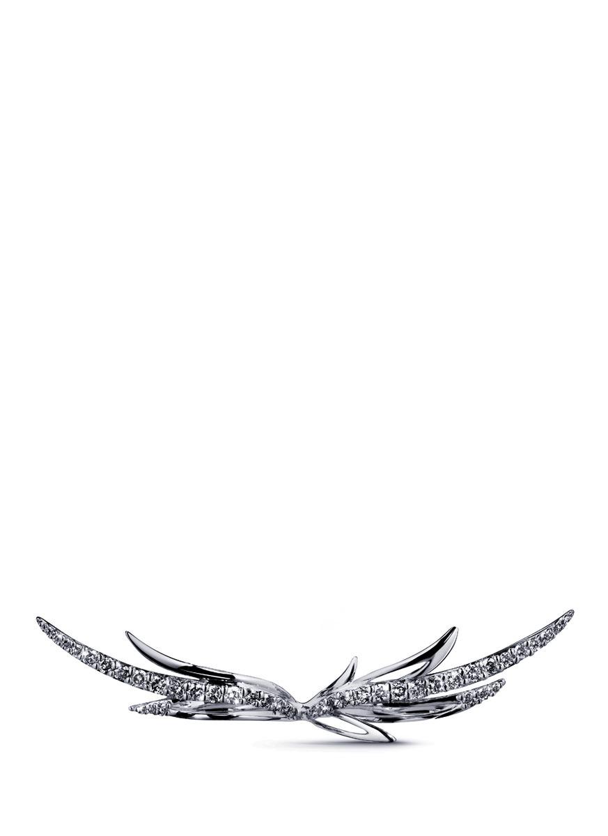 Black diamond 9k gold wing two finger ring by Cristinaortiz