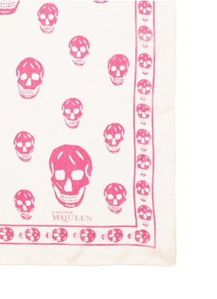 Detail View - Click To Enlarge - Alexander McQueen - Classic skull silk scarf