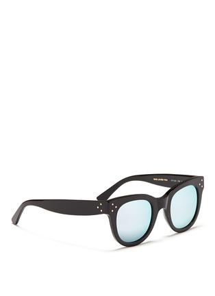 模特儿示范图 - 点击放大 - SPEKTRE - SHE LOVES YOU板材粗框太阳眼镜