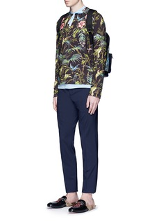 Gucci Floral embroidery tropical print sweatshirt