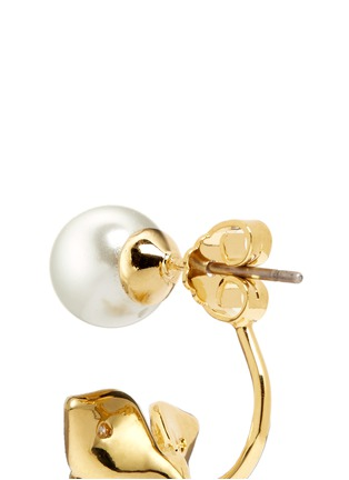 Detail View - Click To Enlarge - CZ by Kenneth Jay Lane - Faux pearl stud cubic zirconia flower earrings