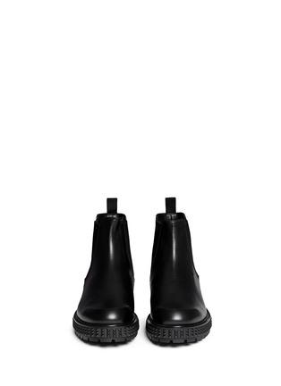 模特儿示范图 - 点击放大 - VALENTINO - 铆钉鞋跟真皮短靴