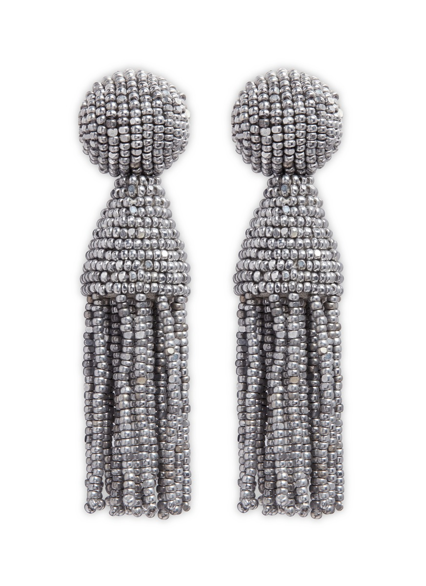 oscar de la renta female classic short beaded tassel drop clip earrings