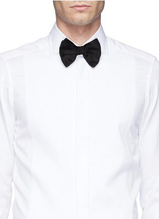 Figure View - Click To Enlarge - Armani Collezioni - Silk bow tie