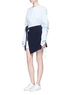 Comme MoiColourblock mock wrap belted crepe skirt