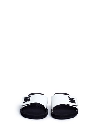 Front View - Click To Enlarge - Michael Kors - 'MK' logo faux leather band rubber slide sandals
