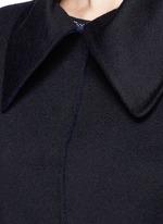 单色羊绒大衣