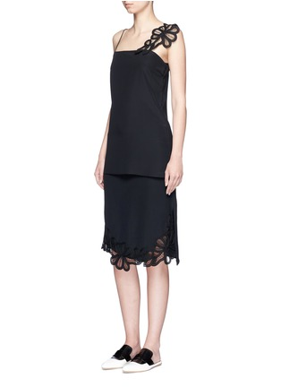 Figure View - Click To Enlarge - Victoria Beckham - Guipure lace side split crepe skirt