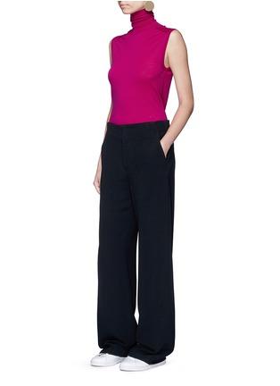模特儿示范图 - 点击放大 - VICTORIA BECKHAM - 单色绉绸阔腿裤