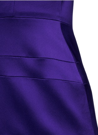 Detail View - Click To Enlarge - Victoria Beckham - V-neck seamed satin midi dress
