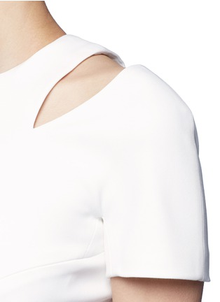 Detail View - Click To Enlarge - Victoria Beckham - Curve seam fitted cutout shoulder dress