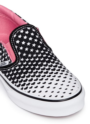 Detail View - Click To Enlarge - Vans - 'Classic' heart and star print canvas kids slip-ons