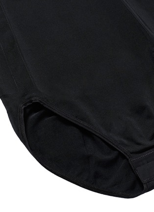Detail View - Click To Enlarge - Spanx By Sara Blakely - 'OnCore' high waist briefs