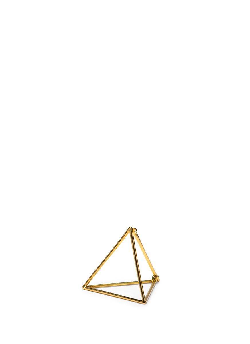 3D 18k yellow gold 15mm pyramid single earring by Shihara