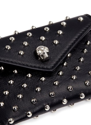 Detail View - Click To Enlarge - Alexander McQueen - Skull stud envelope leather card holder