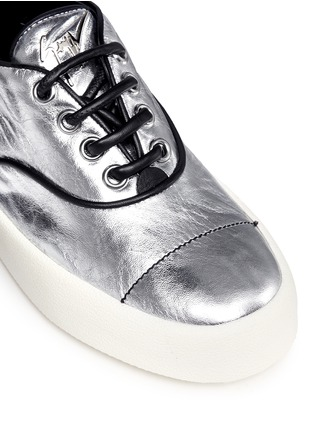 Detail View - Click To Enlarge - Giuseppe Zanotti Design - 'May London' spike stud metallic leather sneakers