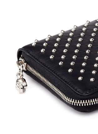 Alexander McQueen - Skull charm stud leather continental wallet