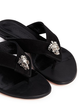 Detail View - Click To Enlarge - Alexander McQueen - Crystal crown skull suede flip flops
