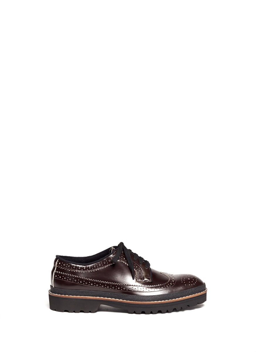 Wing-tip leather brogue shoes