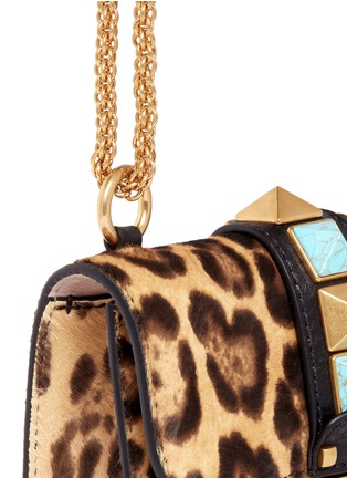 Detail View - Click To Enlarge - Valentino - 'Rockstud Lock' mini leopard print calfhair chain bag