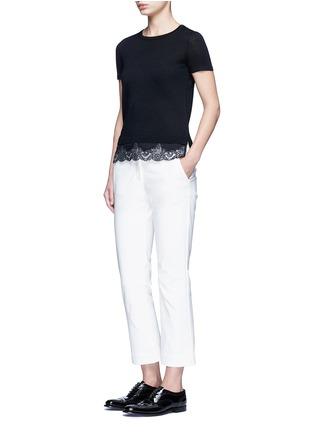 模特儿示范图 - 点击放大 - THEORY - LILANY羊毛拼接花卉蕾丝针织衫