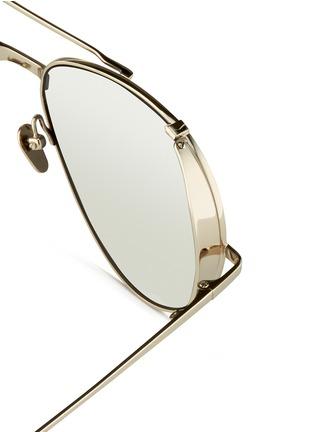 LINDA FARROW-弧形金属片装饰飞行员太阳眼镜