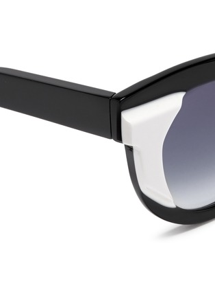Detail View - Click To Enlarge - Thierry Lasry - 'Slutty' contrast side acetate sunglasses