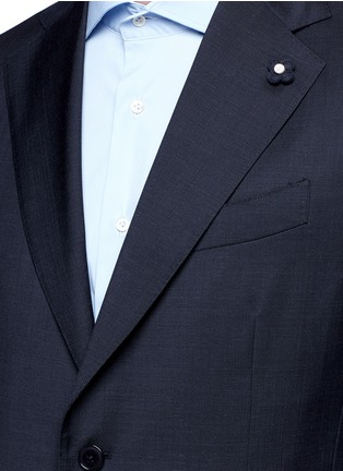 Detail View - Click To Enlarge - Lardini - 'Archilight' wool suit