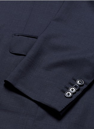 - Lardini - 'Archilight' wool suit