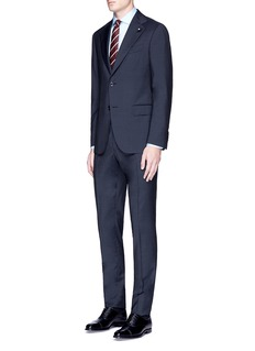 Lardini'Archilight' wool suit