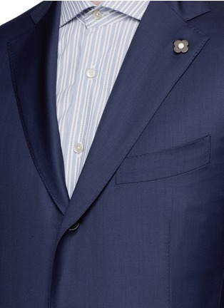 Detail View - Click To Enlarge - Lardini - 'Leisure' regular fit wool suit