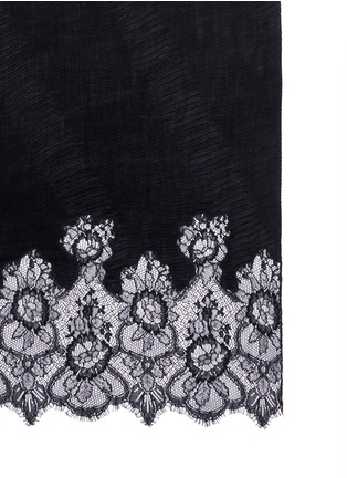 Detail View - Click To Enlarge - Valentino - Floral lace trim plissé pleat cashmere scarf