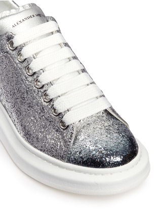 Detail View - Click To Enlarge - Alexander McQueen - Chunky outsole coarse glitter metallic leather sneakers