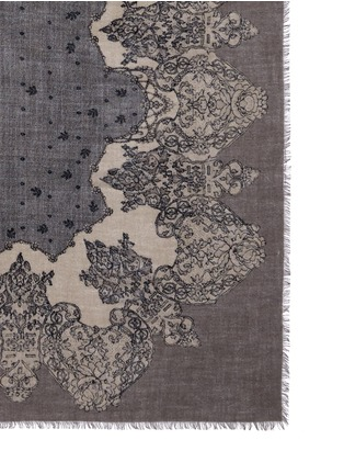 Detail View - Click To Enlarge - Franco Ferrari - 'Tela' lace print cashmere scarf