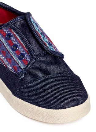 Detail View - Click To Enlarge -  - Tiny Paseo geometric contrast denim toddler slip-ons