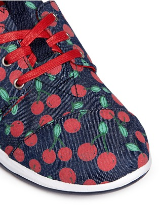 Detail View - Click To Enlarge -  - Youth Del Rey cherry print denim kid sneakers