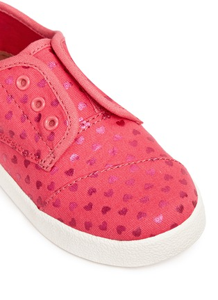 Detail View - Click To Enlarge -  - Tiny Paseo heart print canvas toddler slip-ons