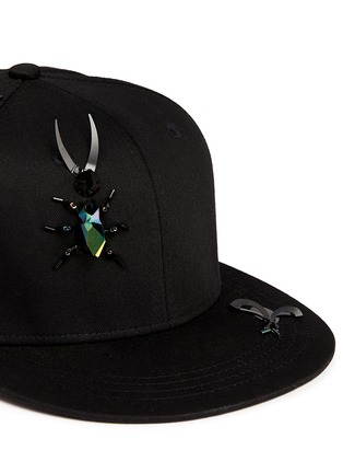 Detail View - Click To Enlarge - Piers Atkinson - Embellished bug baseball cap