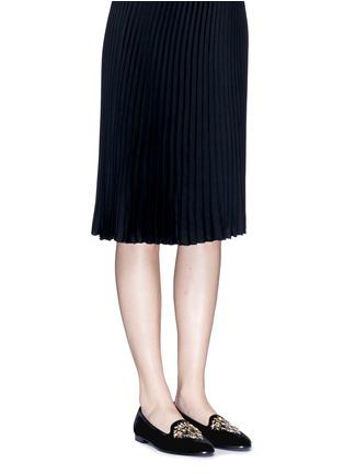 模特儿示范图 - 点击放大 - RENÉ CAOVILLA - 仿水晶天鹅绒平底鞋