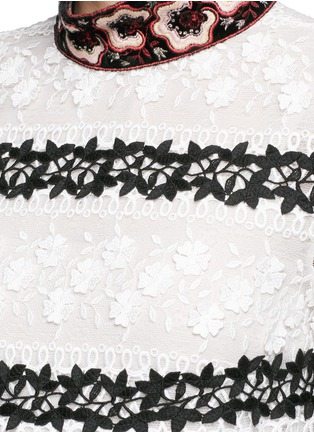 Detail View - Click To Enlarge - Giamba - Bug brooch embroidered collar lace dress