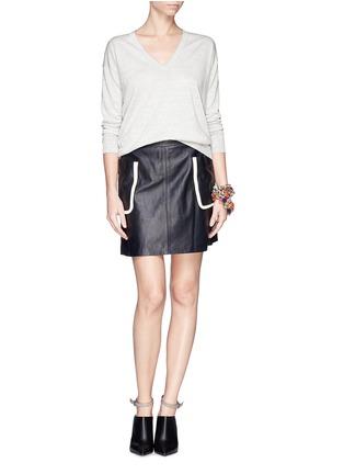 模特儿示范图 - 点击放大 - THEORY - 'Trulinda B' linen-wool blend sweater