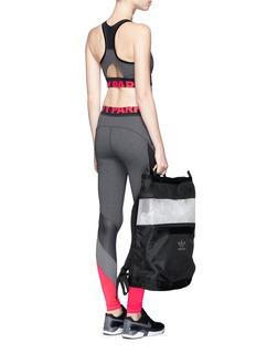 Ivy ParkLogo print mesh panel colourblock performance leggings