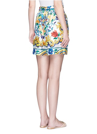 Back View - Click To Enlarge - Dolce & Gabbana - Belted maiolica print silk shorts