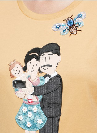 Detail View - Click To Enlarge - Dolce & Gabbana - Embellished DG Family appliqué T-shirt