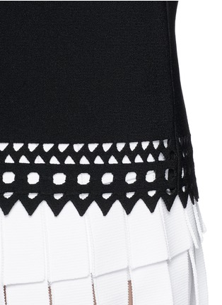 Detail View - Click To Enlarge - Alaïa - 'Vienne' bateau neckline geometric cutout top