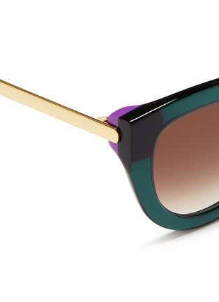 Detail View - Click To Enlarge - Thierry Lasry - 'Cupidity' metal temple contrast corner acetate sunglasses