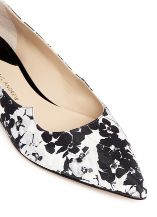 Detail View - Click To Enlarge - Paul Andrew - 'Zoya' Mestre St. Daisy wavy flats