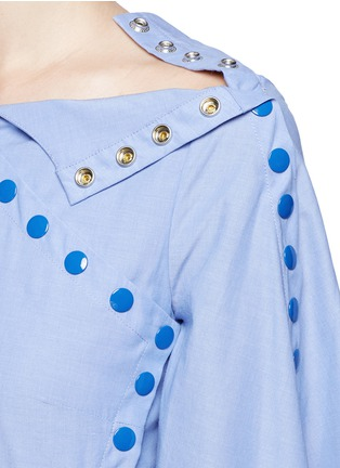 Detail View - Click To Enlarge - Rosie Assoulin - 'She's Come Undone' snap button cotton tunic