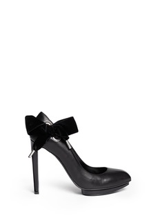 ALEXANDER MCQUEEN Velvet bow leather pumps